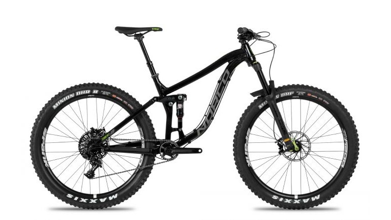 The Torrent FS A7.1 gets a DVO Diamond fork and DVO Topaz T3 air shock (not pictured) with  SRAM GX drivetrain