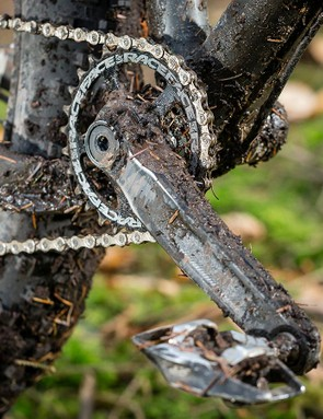 The 28t Race Face Aeffect crankset helped up easily winch the Torrent up the steepest slopes
