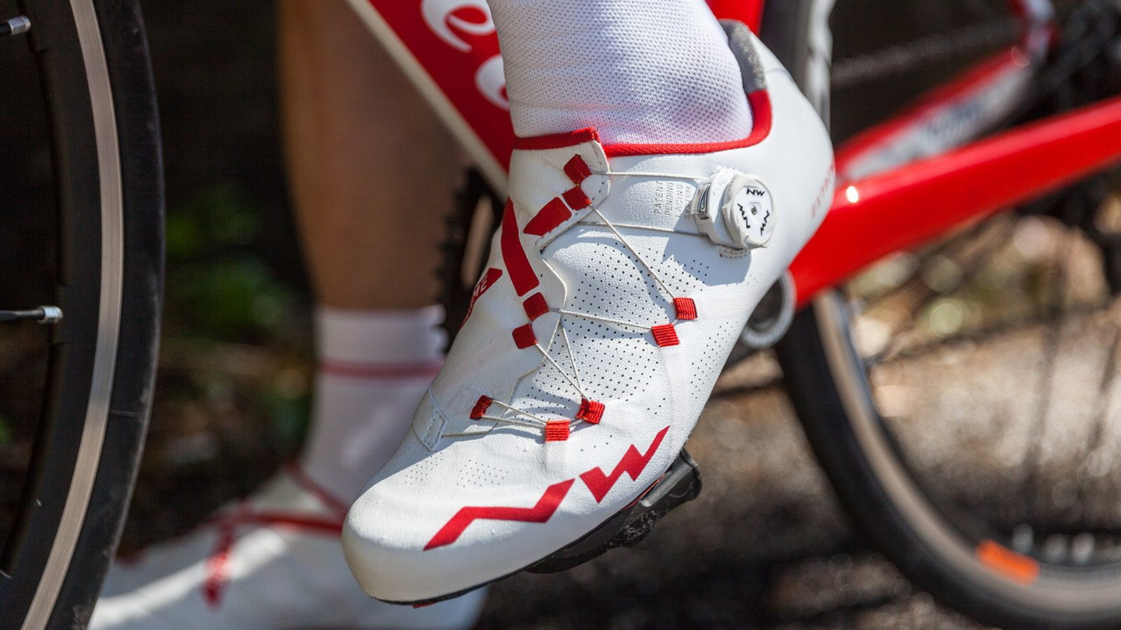 Northwave Extreme RR Road Shoes White Red | Deporvillage