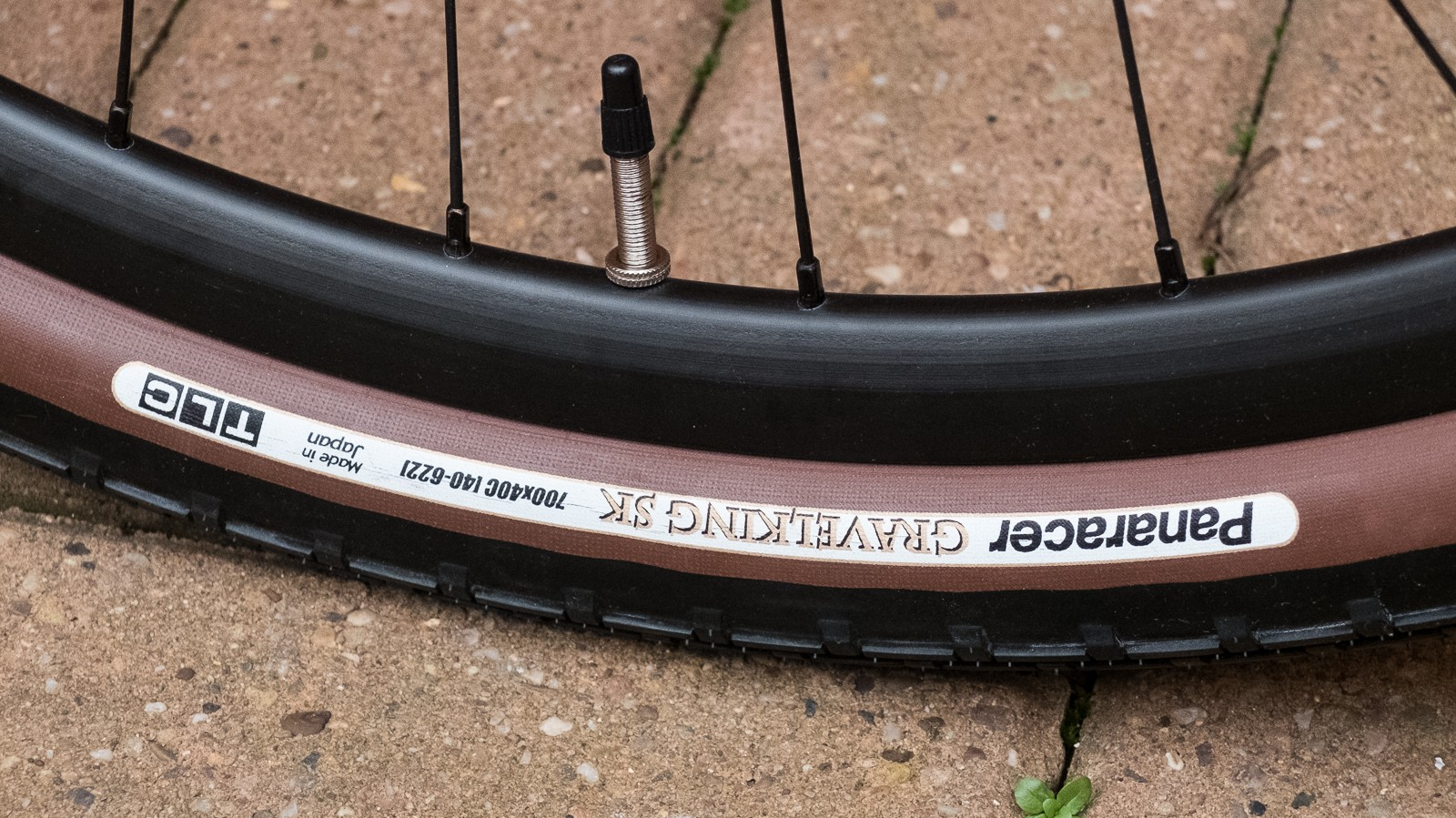 We love the look of the mocha coloured sidewalls on these Panaracer Gravel King tyres