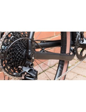 The dropped driveside chainstay improves clearances around the bottom bracket