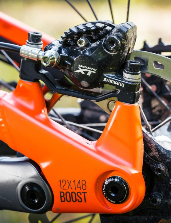 The Mega 275 Factory bike comes equipped with Shimano XT brakes and gearing