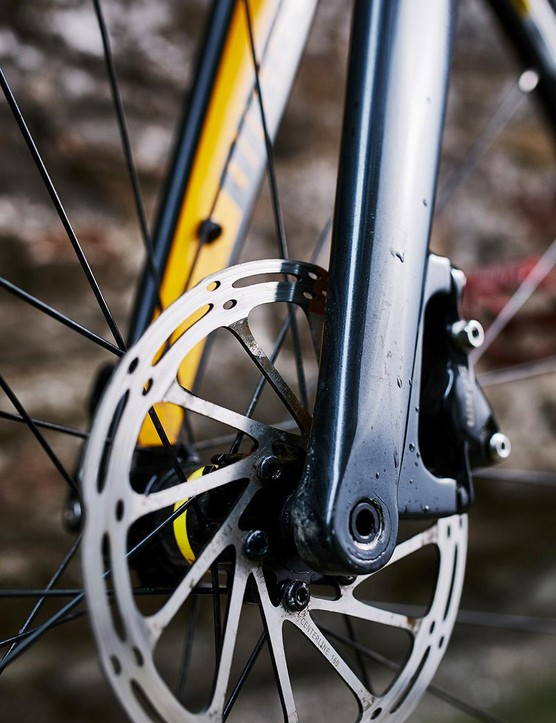 SRAM's Apex Hydraulic brakes come with 160mm rotors