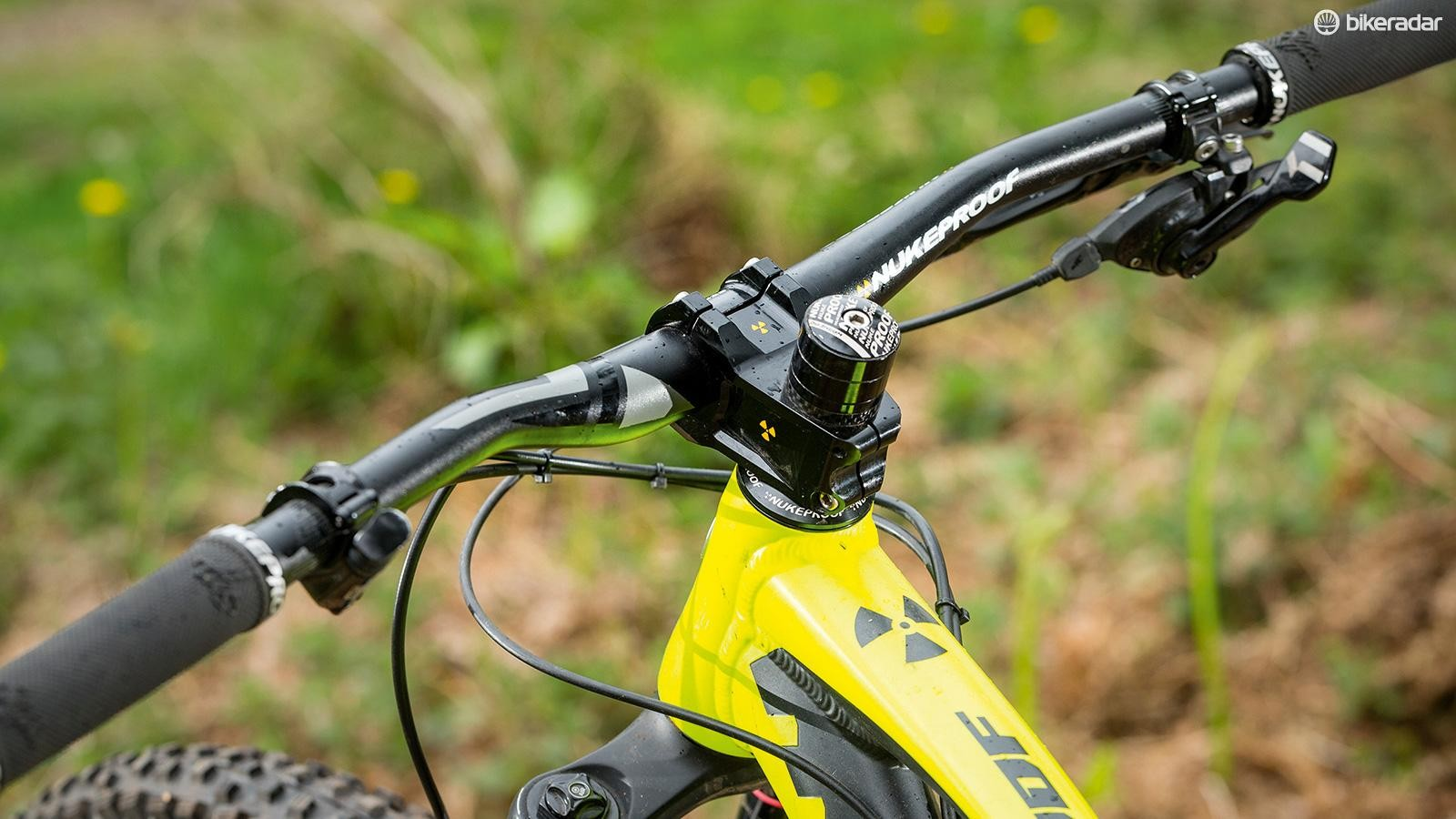 The stiff 50mm Warhead stem and 760mm bar add control – though you could go even wider