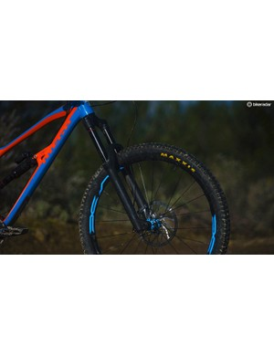 Paired with the Super Deluxe shock at the rear is the formidable RockShox Lryik RCT3 which is both comfy and capable — something I certainly appreciated on the downhill trails in San Romolo
