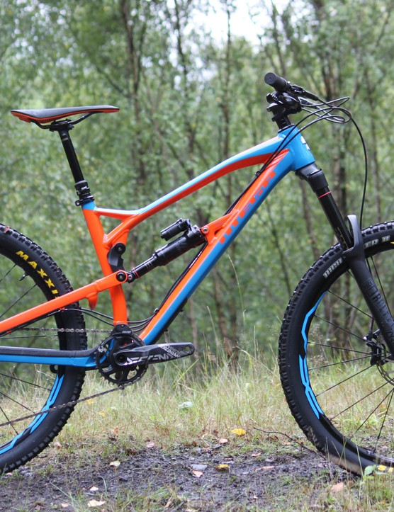 The Mega 275 Pro uses a full alloy frame but the same fork, shock and tyres as the RS model