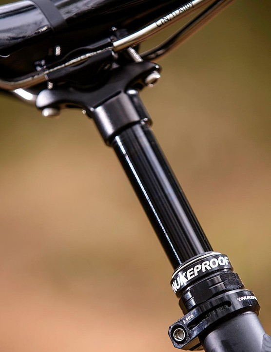 RockShox' Yari fork is a tad cruder than its more famous siblings but tracks very well
