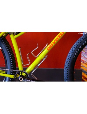 Triple bottle mounts increase the bike's bikepacking potential