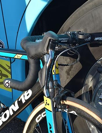 Shimano Dura-Ace components provide the shifting and stopping power for the Dane