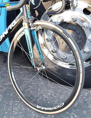Valgren's Gallium Pro was paired with Corima 32 WS carbon wheels
