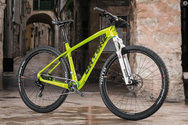 On-One's Maccatuskil is built around a high-grade carbon frame