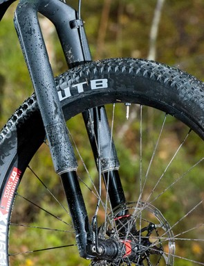 RockShox's radical upside down RS-1 29er fork has plenty of clearance for a plus tyre
