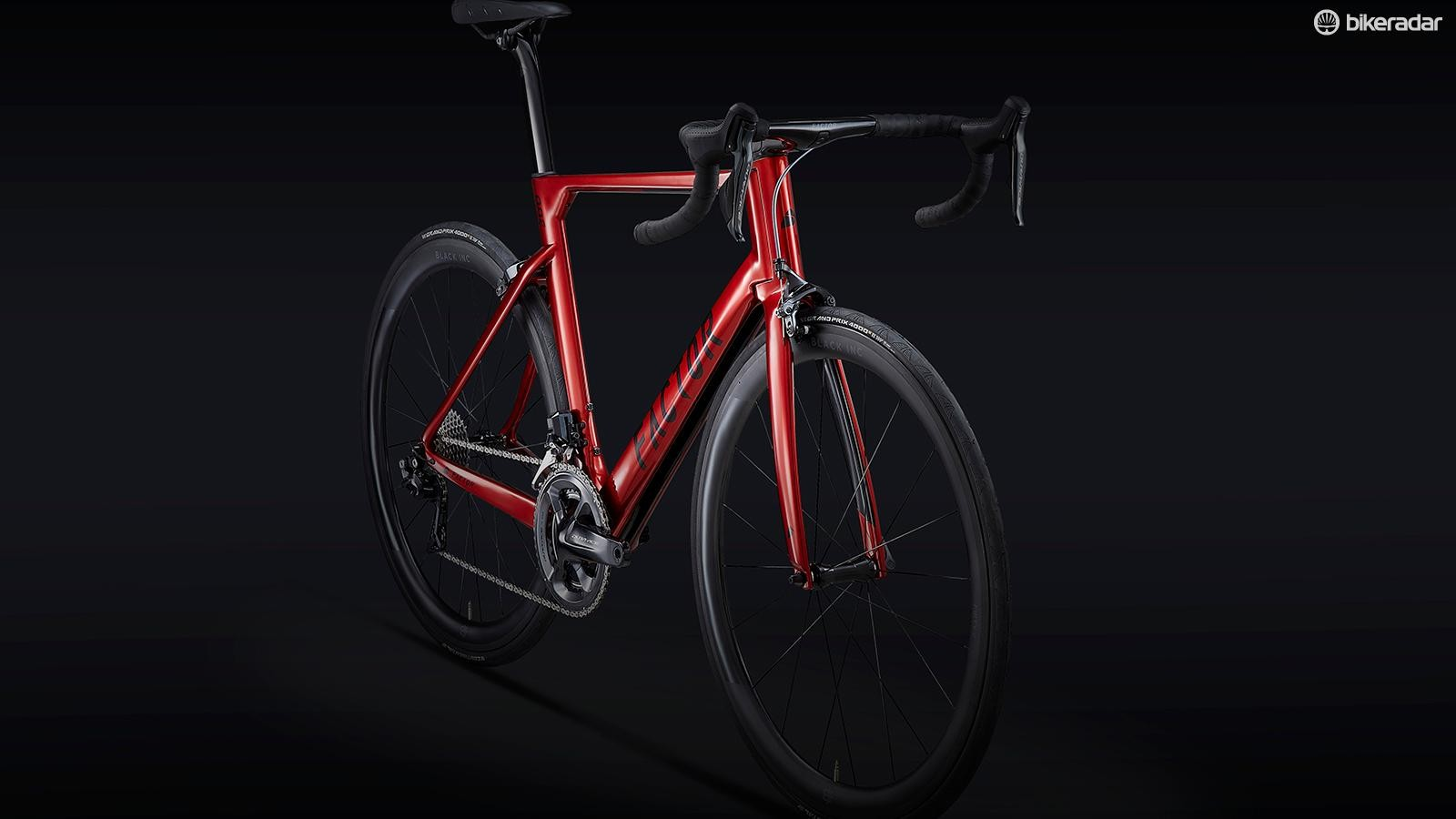 Wide Stance forks and seatstays are designed to improve aerodynamics and stiffness