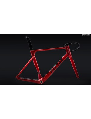 The external steerer fork allows for internal cable routing and unlimited headset stack adjustability