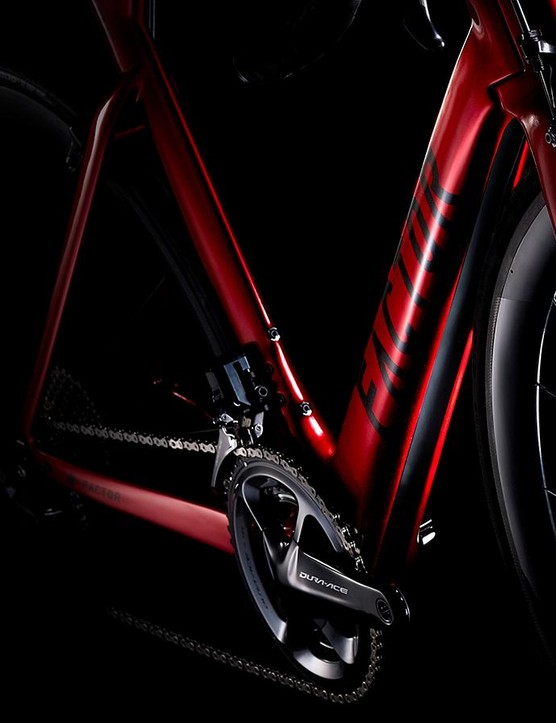 The split down tube and Wide Stance designs allow air to flow through the frame rather than just around it