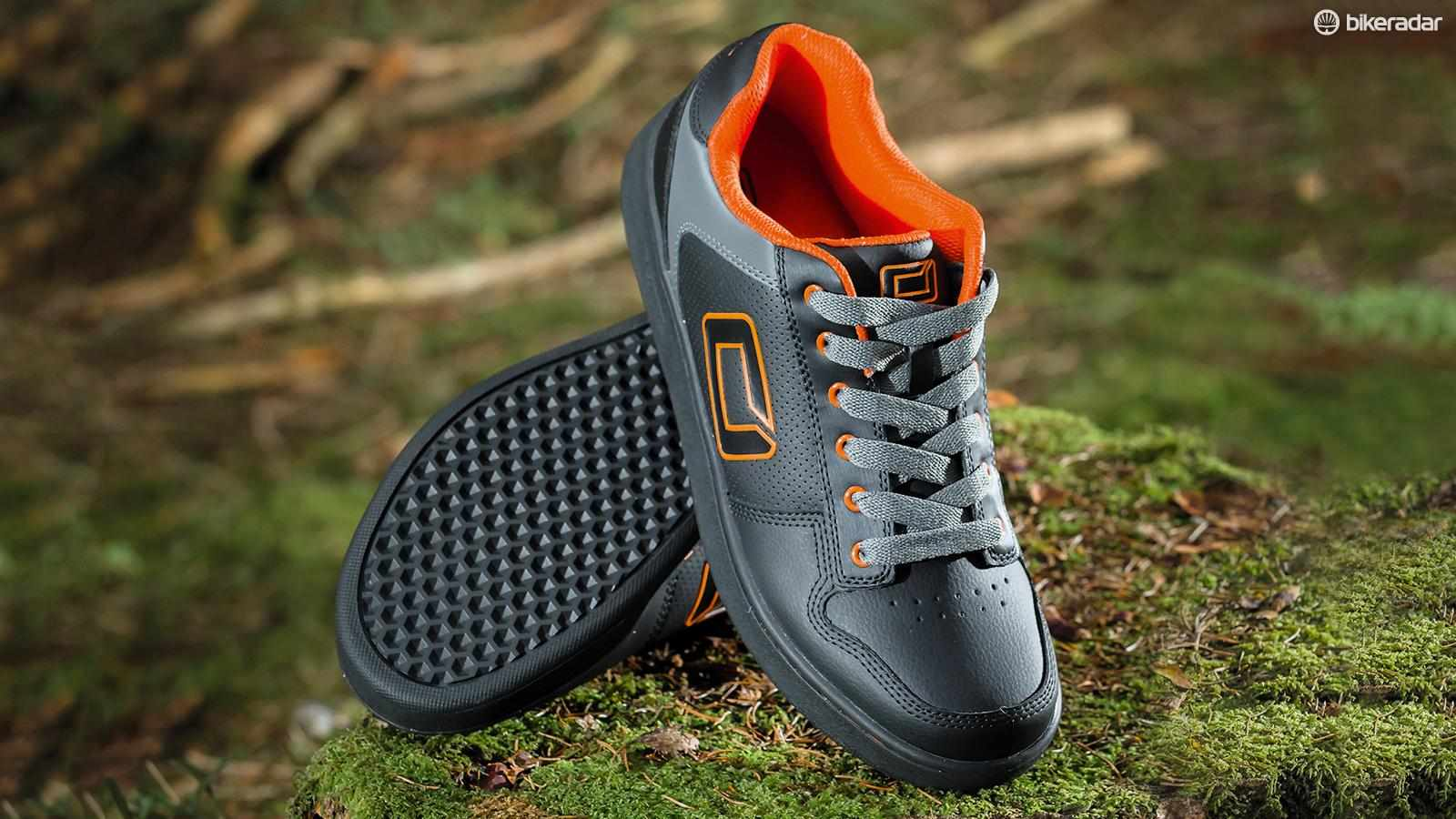 O'Neal's Stinger IIs are nice looking, comfy shoes but they're not the best for serious MTB use