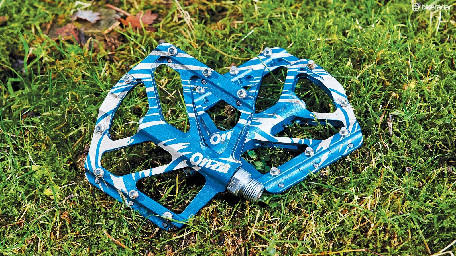 Onza's HO2 flat pedals are well put together, but we didn't get on with the design