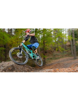 The Alpine 160 maintains a liveliness and feedback-rich feel that makes it one seriously fun bike to ride.