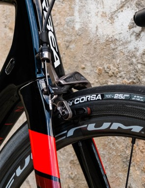 25mm Vittoria Corsa tyres aided levels of confidence when descending