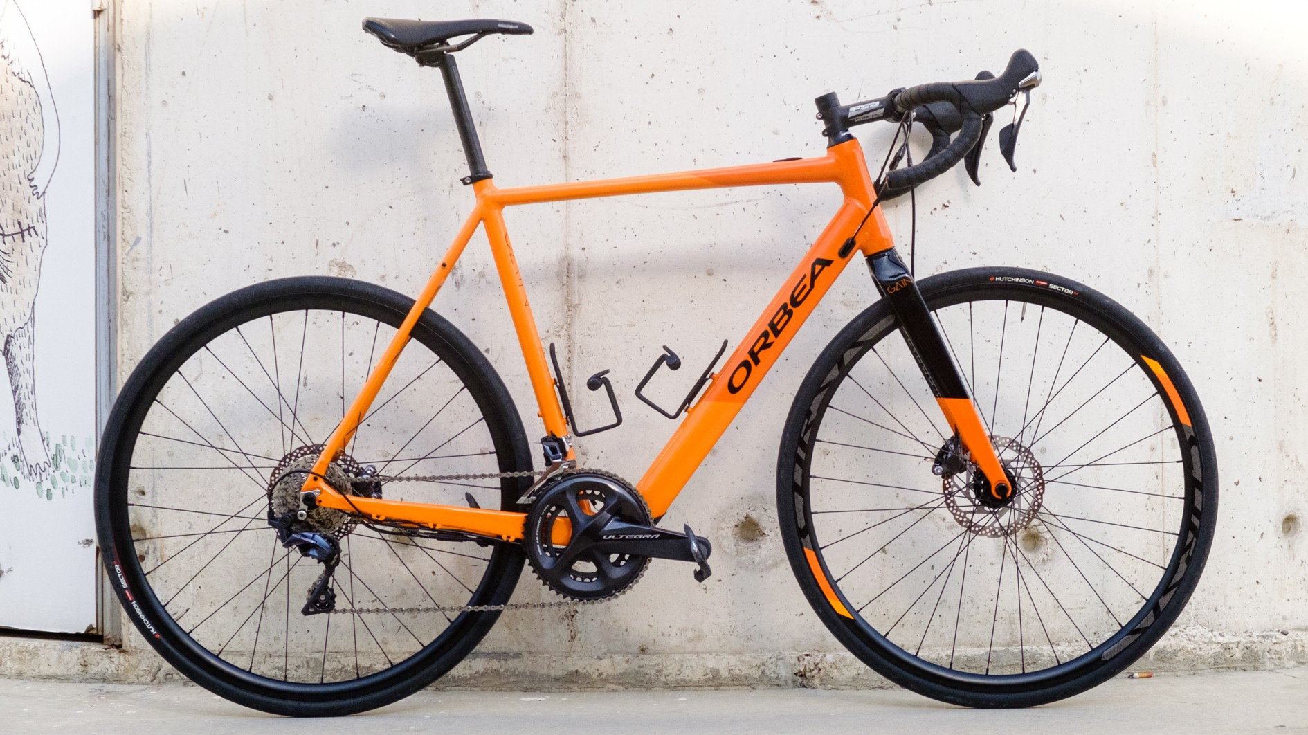 The Orbea Gain is an electric road bike with a hub-based X35 motor