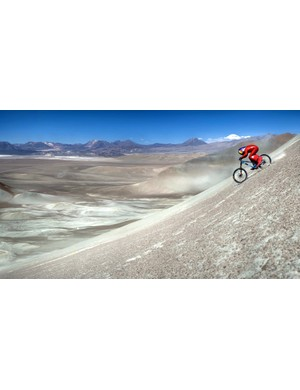 Setting a new record for riding gravel – Austria's Max Stöckl, in the Atacama Desert