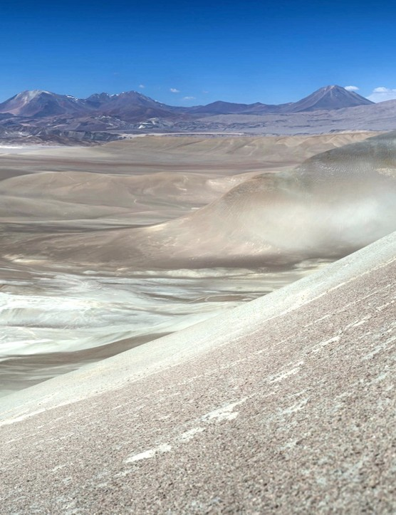 Setting a new record for riding gravel – Austria's Max Stöckl, in the Atacama Desert