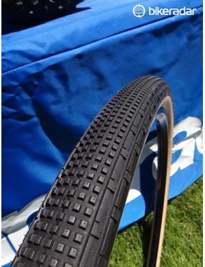 The tread on the Gravel King SK scales with the width of the tires. The tubeless compatible tires retail for $45