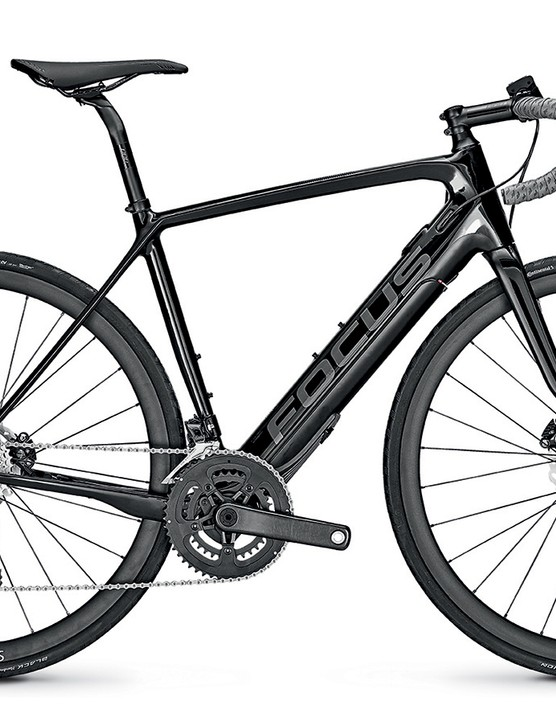 The 9.7 comes with Shimano's mechanical Ultegra 8000 groupset