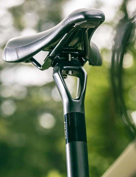 The Paralane2 's seatpost with its unique twin spar design is carried over from the Paralane to add a bit of vibration damping flex