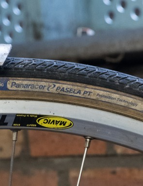 The Panaracer Pasela strikes a good balance between resilience and performance