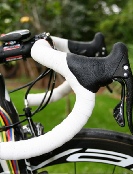 Bettini has selected the new-ergo bend for his FSA K-Force bars.