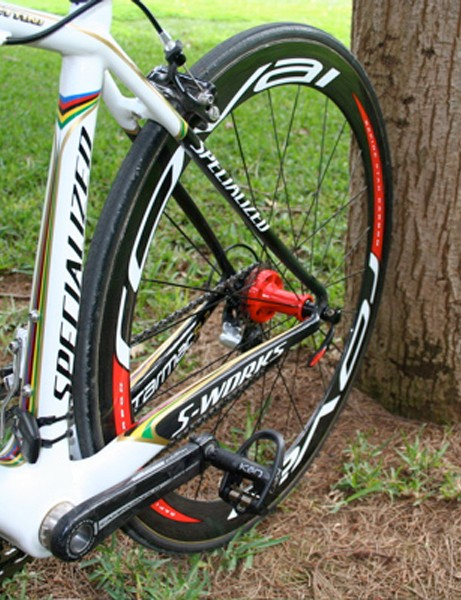 The SL2's seat tube also features Bettini's world and Olympic stripes.
