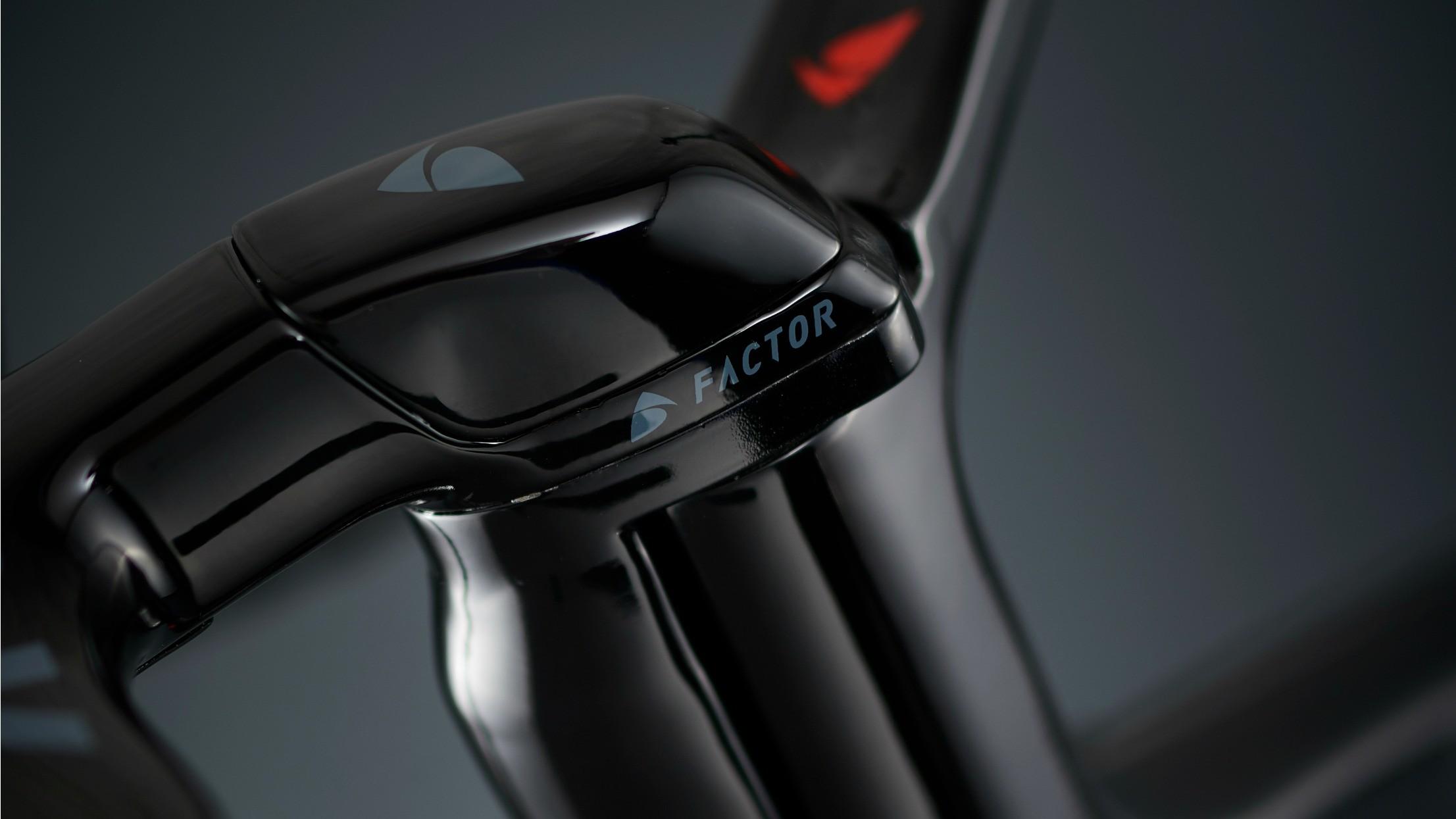 The integrated stem and handlebars promise plenty of stiffness
