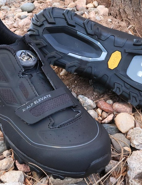 Pearl Izumi has a new clipless mountain-bike shoe