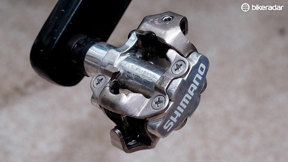 If you're looking for a super cheap and ultra-reliable clipless pedal, the Shimano PD-M520 is the one for you