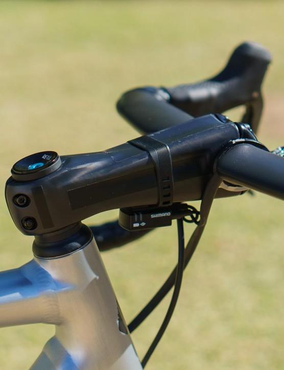 As ever, Sagan opts for an unmarked Zipp Sprint SL stem