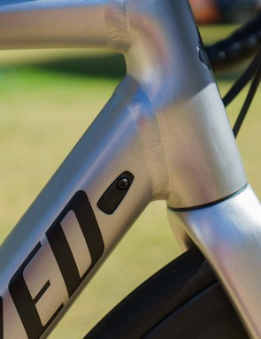 Alloy in the pro peloton is an incredibly rare sight in 2019