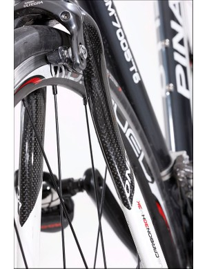Swoopy lines of the Pinarello carbon fork