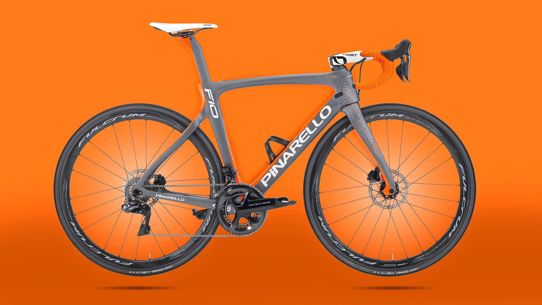 The new Pinarello Dogma F10 disc looks resplendent with its powerful new brakes