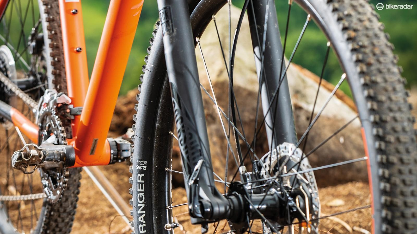 With its tapered steerer and 15mm axle, the Recon RL fork is a big bonus