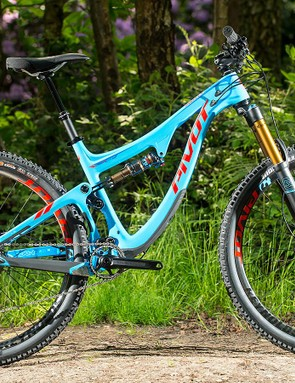 We weren't able to push Pivot's new Switchblade to its limits on our brief test ride, but we liked what we found