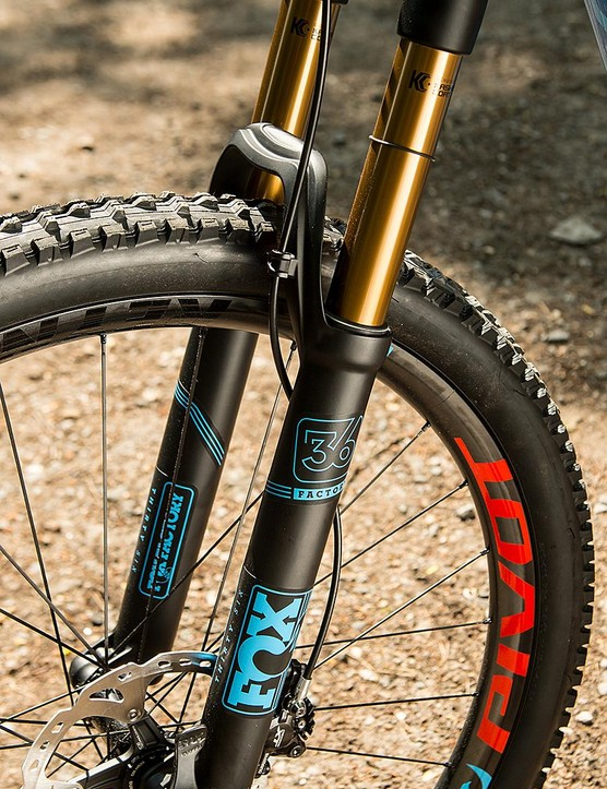 The bike comes stock with a 150mm Fox 36 fork, but is designed to work with 160mm units too