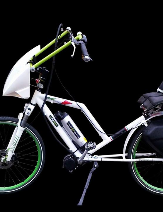 It's a bike? No, a recumbent? Wait is it a motorcycle? Hmmmmm......