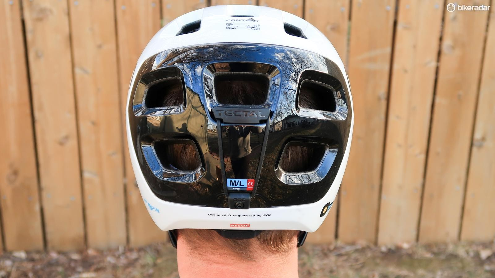 A band on the back of the Tectal Race holds goggle straps in place for all your enduro needs
