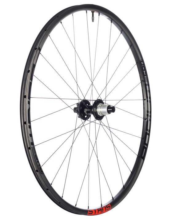 The Podium SRD rim is carbon and claimed to weigh 300 grams for a 29er hoop!