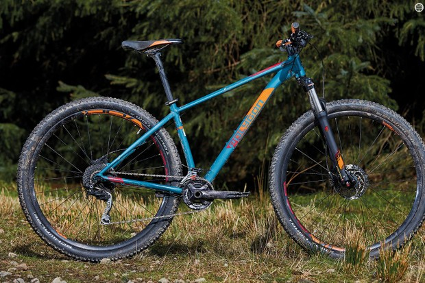 Extensive shaping of the Xtrada 6 frame pays off in the form of a lively ride feel