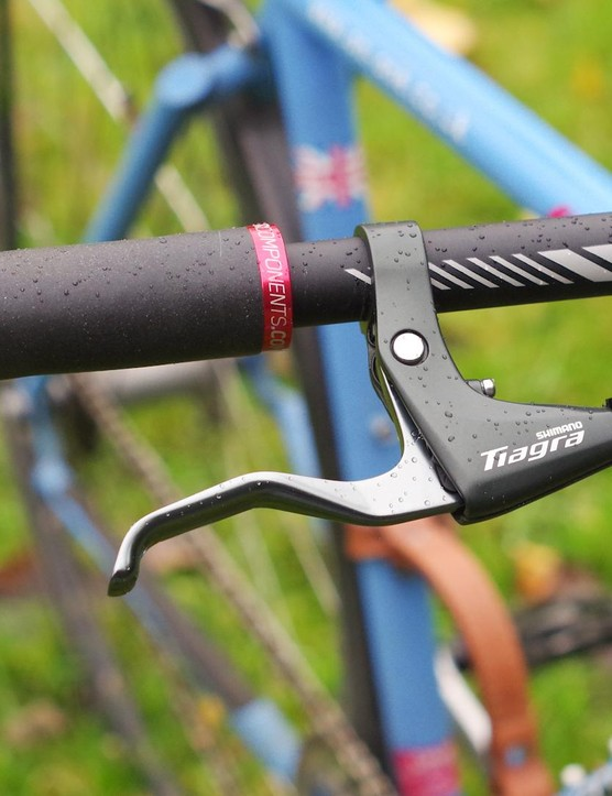 I appreciate simple, well designed things. This Tiagra lever has a nice smooth action and provides comfy one-finger braking