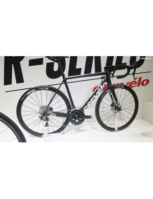 The monochrome R3 Ultegra disc is a bit of understated goodness