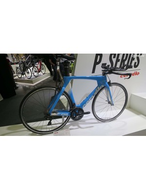 The updated P2 comes with a new Profile cockpit and ISM saddle and Shimano's latest 7000 series 105