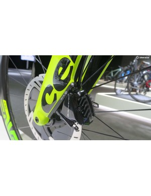 The flat mount Dura Ace brakes look suitably integrated on the P5X